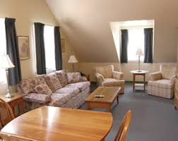 looking for a watertown ct hotel try depot square inn