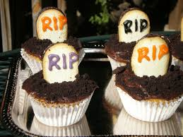 these graveyard cake decorations are to die for blogs roanoke com