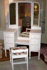 Antique White Vanity Set White Vanity Table With Mirror And Bench Foter