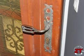 comment ouvrir une serrure de porte de chambre changer une porte de chambre affordable kit pour porte coulissante