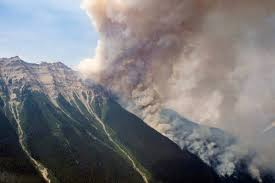 Wildfire Bc Jobs by Bc Wildfire Service Monitoring Fire Over 4 000 Hectares