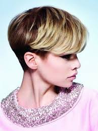 side view of blended wedge haircut short wedge haircut hair pinterest wedge haircut haircuts
