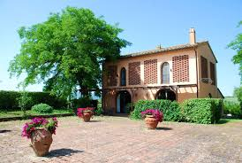 italian villa style homes accommodation in tuscany farmhouses villas b b apartments for rent