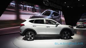 hyundai tucson 2016 hyundai u0027s 2016 tucson bets on safety and economy slashgear