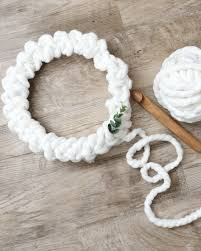 how to make a crochet christmas wreath that will wow your guests