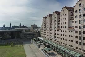 B Om El Schrank Maritim Hotel Dresden Wohnen Zum Besten Preis Hotel Dresden