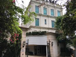 how much is 3000 square feet world u0027s most expensive hong kong home costs 21k a sq ft time