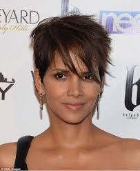 harry berry hairstyle halle berry shows off her new look with full head of hair