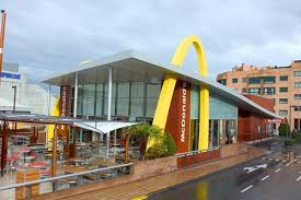 siege social macdonald exterior of a mcdonald s in dallas shaped like a