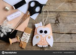 lovely owl tree ornament made from felt scissors