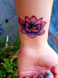 30 flower wrist tattoos for girls