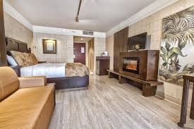 chambre hotel chambre hôtel québec plus à 2 grands lits et foyer fumeur 9 l