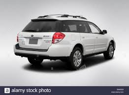 subaru outback 2018 white subaru outback stock photos u0026 subaru outback stock images alamy