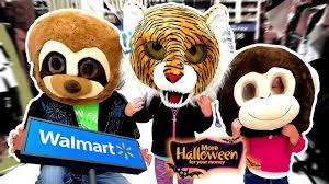 Best Halloween Stores by Shopping For The Best Halloween Store Ever How Scary Is Walmart