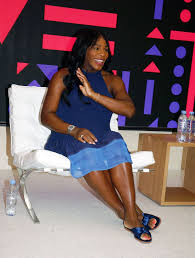 Apple Store Paris by Pregnant Serena Williams At Saint Dermain Des Pres Apple Store In