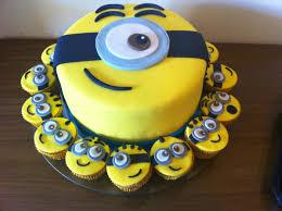 minion cupcake cake ᐅ bolo dos minions 25 modelos incríveis para você se inspirar