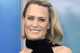 robin wright didn t actually get that house of cards raise