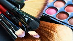 how you should really be cleaning your makeup brushes wstale