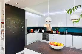 cuisine mur bleu deco cuisine mur lovely cuisine blanche pt7 cuisine blanche et mur