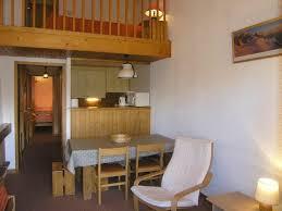 bureau sous lit mezzanine lit mezzanine duplex lit mezzanine avec brureau et fauteuil blanc