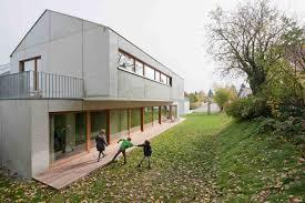 Interieur Aus Holz Und Beton Haus Bilder Sinnliche Gegensätze Haus Mit Sichtbeton Kerndämmung