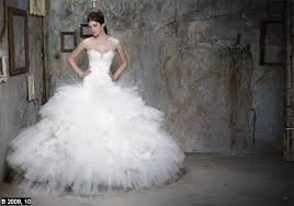designer wedding dresses 2011 gisy s designer pnina tornai 39s gowns often feature what i