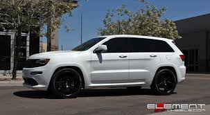 jeep srt 2014 22x10 5 xo caracas matte black on a 2014 jeep grand cherokee srt w