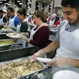 thousands of volunteers serve annual raul jimenez thanksgiving
