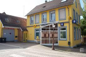 recherche bureau de poste une ée photo recherche de cadrage autour d un bureau de poste jaune