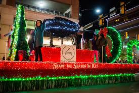 parade of lights fort worth 2017 xto energy parade of lights delivering a postcard to christmas to
