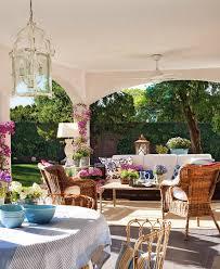 detalhes de uma casa elegante e feminina outdoor living patios