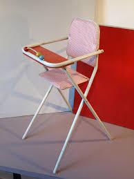 chaise haute poup e une chaise haute pour poupée des ées 60 vichy et orange