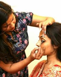 makeup artist in shivani is working as a freelancer makeup artist in indore and