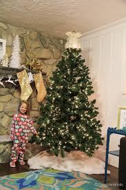 faux fur tree skirt no sew faux fur christmas tree skirt 7 decor diy