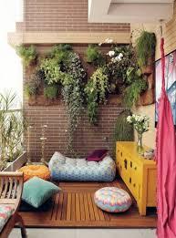 kleine balkone balkongestaltung ideen kleiner balkon einrichten vertikales