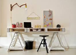 palette bureau bureau en bois 34 idées diy très cool en palette europe kos