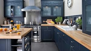cuisine plan de travail bois modèle cuisine noir laque plan de travail bois