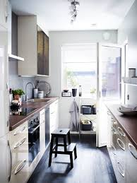 cuisine dans petit espace cuisine petit espace inspirant cuisine équipée petit prix cuisine en
