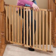 Baby Gate Banister Summer Infant 32 48 Inch Banister And Stair Gate With Dual