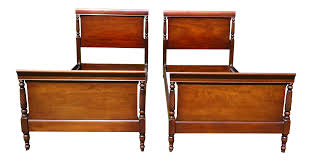 Mahogany Sleigh Bed Antique Kindel Oxford Solid Mahogany Twin Sleigh Beds A Pair