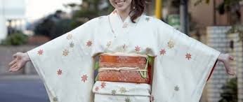 introducing kimono traditional and beautiful japanese clothing