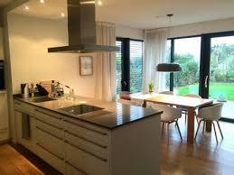 küche offen die besten 25 offene küchen ideen auf küche fliesen
