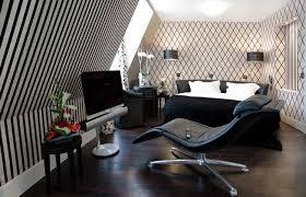 chambre baroque noir et hôtel ares eiffel mobilier élégant style noir et blanc