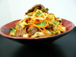 cuisine au wok facile wok de chou pointu la recette facile par toqués 2 cuisine