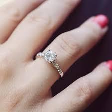 zasnubni prsteny platinový zásnubní prsten s diamanty vea eppi cz