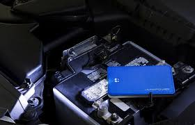 Charge Your Phone This Tiny Battery Will Charge Your Phone And Jumpstart A Car