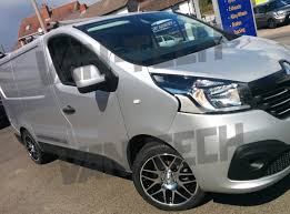 renault trafic 2016 calibre exile alloy wheels fitted to a new shape renault trafic