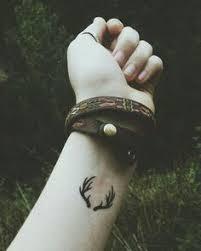 cute minimalistic antlers tattoo venice tattoo art designs