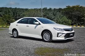 buy new toyota white toyota camry hybrid best car to buy