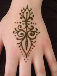 check out more henna pictures at www mehndiequalshenna com henna